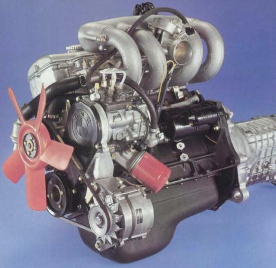 BMW 2002 Tii Injection Engine